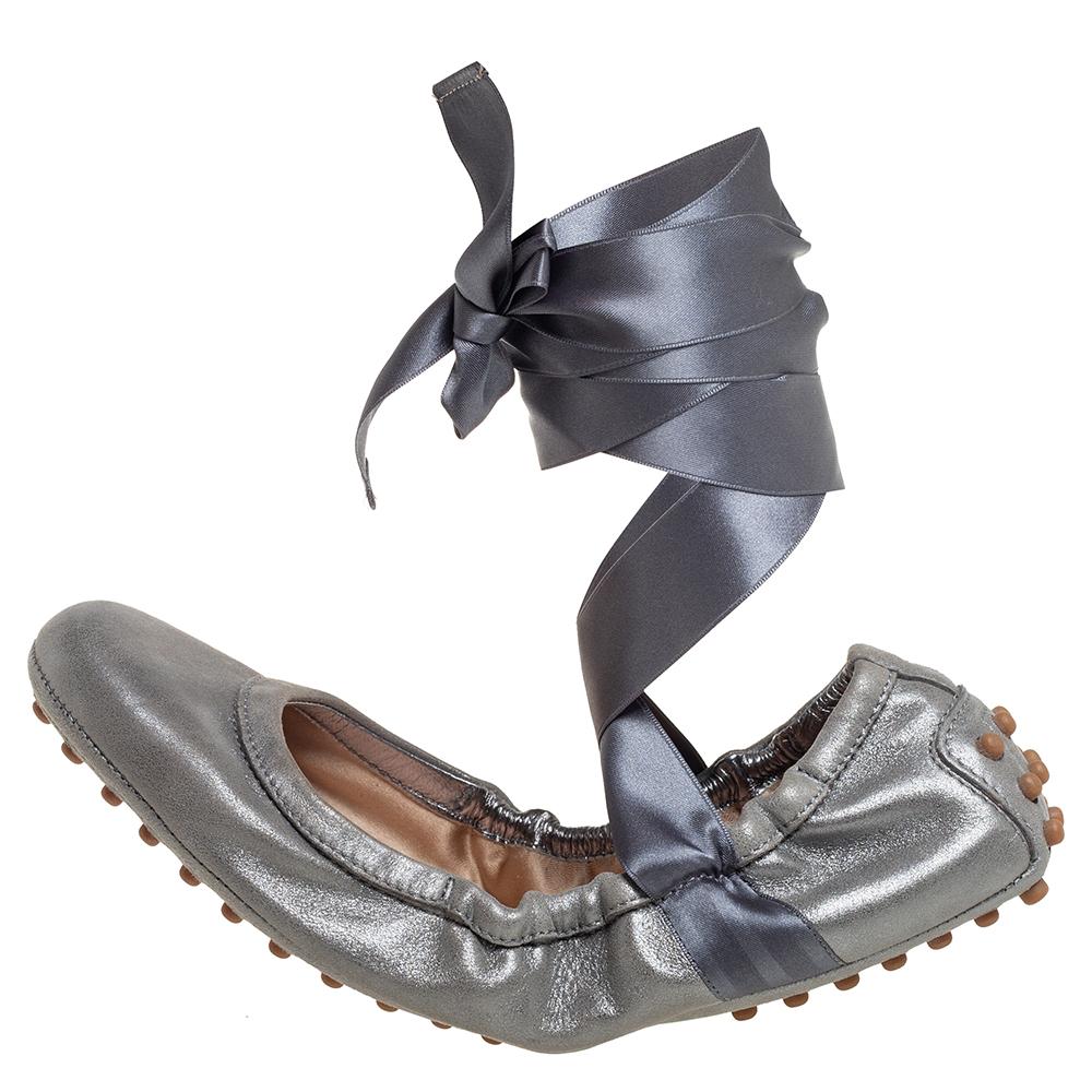 Tod's Metallic Grey Nubuck Leather Scrunch Ribbon Ballet Flats Size 37