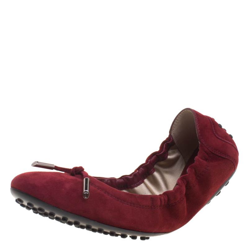 b2eae6768 Buy Tod's Burgundy Suede Bow Ballet Flats Size 38 99498 at best ...