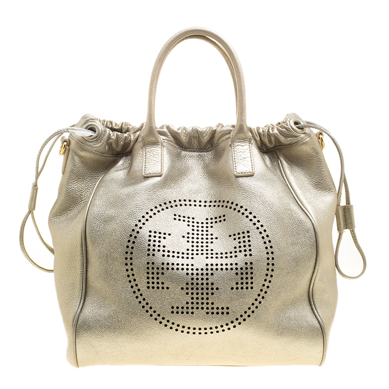 plus récent 2cc3a 16061 Tory Burch Metallic Silver Leather Perforated Logo Drawstring Tote with  Pochette Accessories