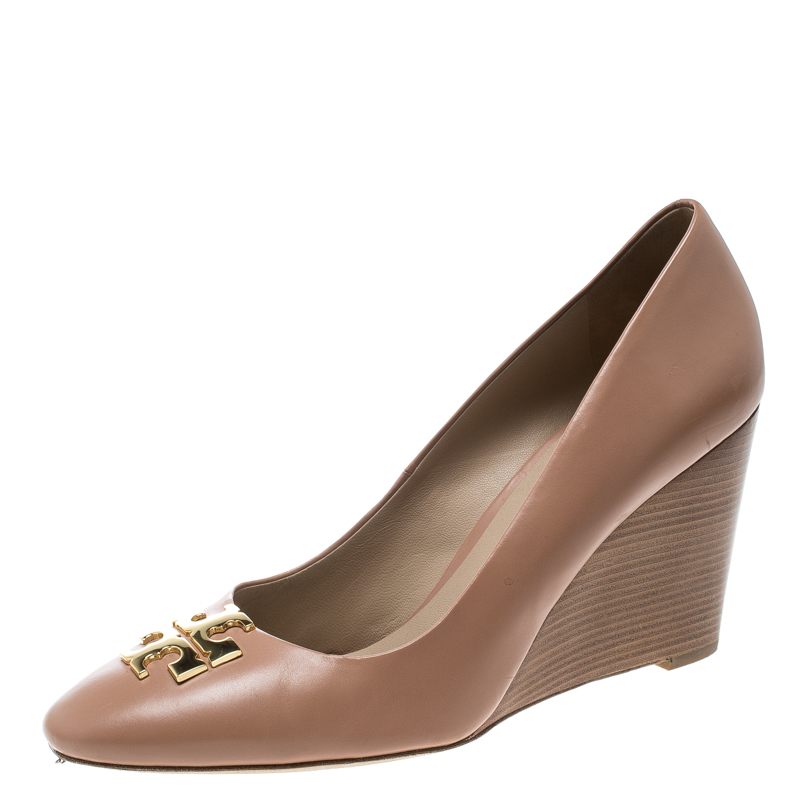 d5254930e Buy Tory Burch Pale Pink Leather Raleigh Round Toe Wedge Pumps Size ...