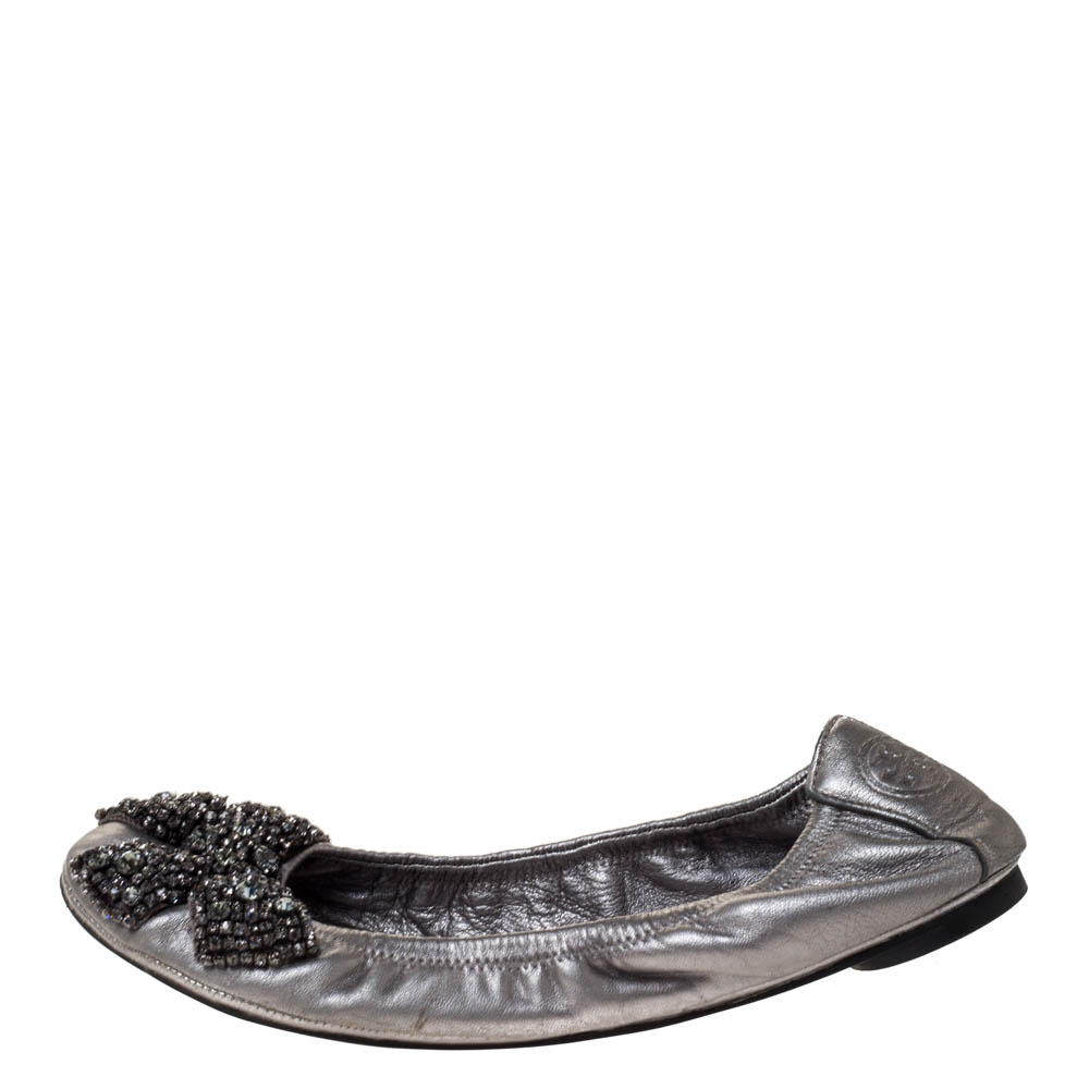 Tory Burch Metallic Silver Leather Azalea Scrunch Ballet Flats Size 38