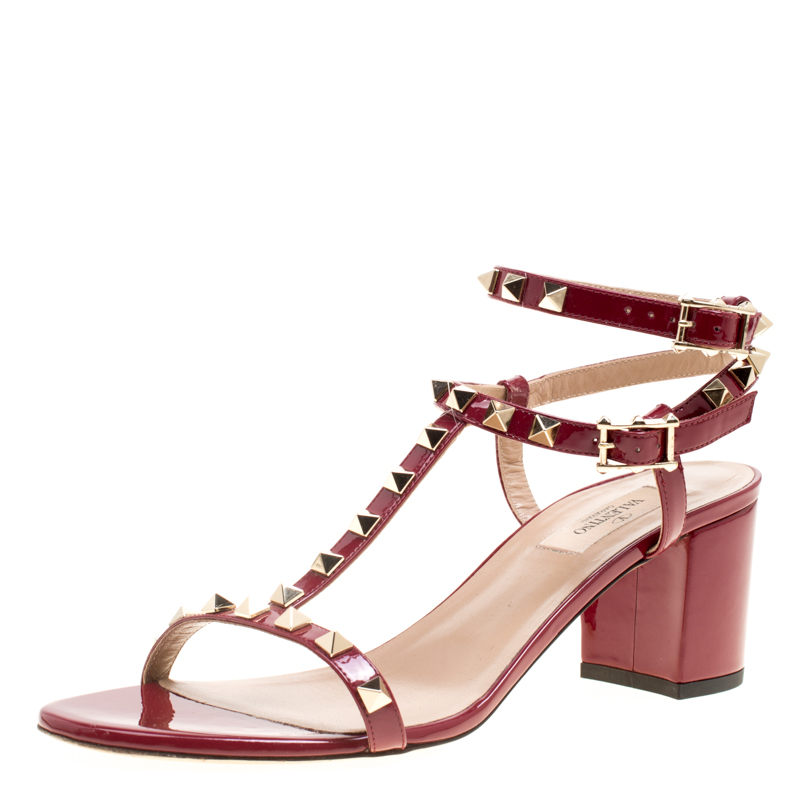 Pre-owned Valentino Garavani Maroon Patent Leather T Strap Rockstud Block Heel Sandals Size 40 In Red