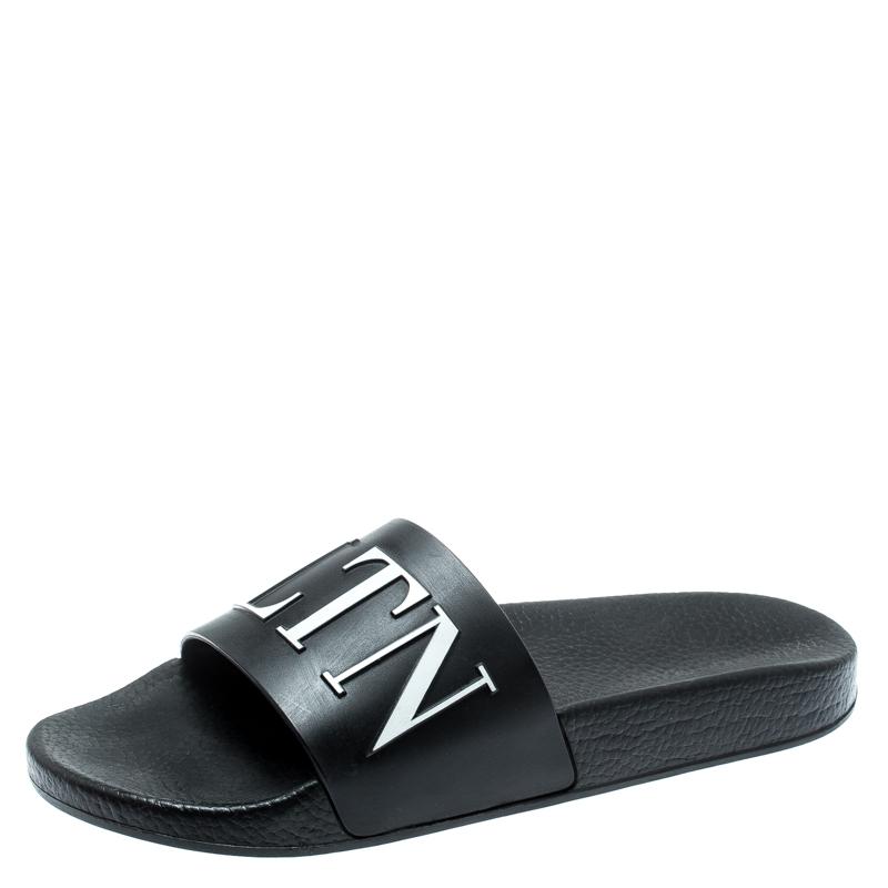 9ba887f6fbf4 Buy Valentino Black Rubber VLTN Slide Sandals Size 40 187218 at best ...