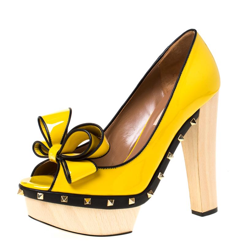 Valentino Yellow/Black Patent Leather Wooden Platform Rockstud Trim Bow Detail Peep Toe Pumps Size 38.5
